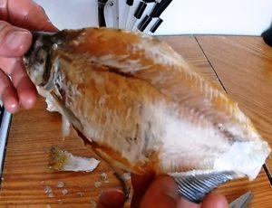 Чистка вяленой рыбы